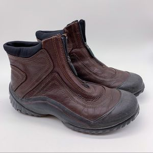 CLARKS Waterproof leather short boots, women's 7.